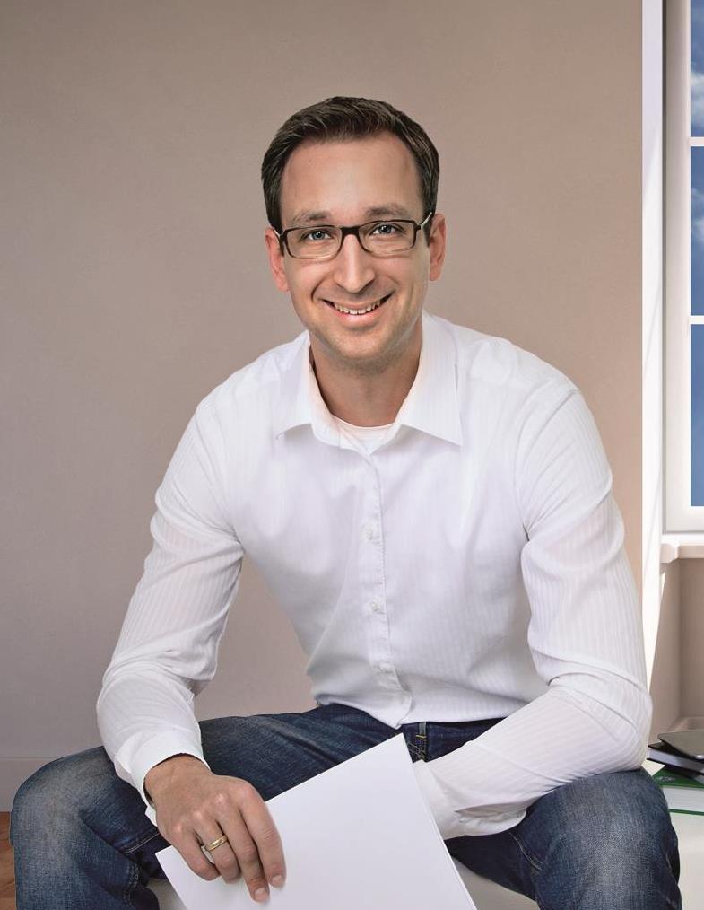 Dr. Frederik Blomann